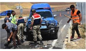 Askeri araç otomobille çarpıştı: 1 ölü, 4 yaralı