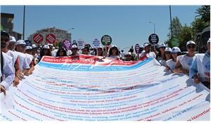 Kamuda TİS görüşmeleri protestolarla başladı