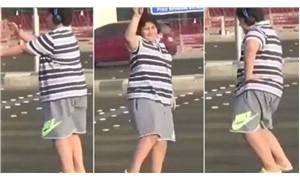 'Macarena dansı' viral olan çocuk serbest bırakıldı