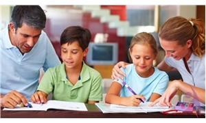 Z neslinin eğitimi: Çocuğu okuldan korumalı mıyız?