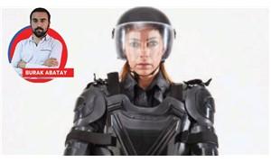 Bir üniforma, insanı insanlıktan çıkarır mı?