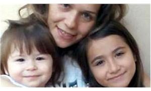 İki çocuğunu öldüren anne tahliye edildi