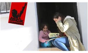 Umut bir çocuğun gülüşünde: Gençlik Muhalefeti, yeni yılda çocuklara kitap hediye etti