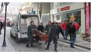 Polis memuru, 'alacak kavgası' sebebiyle 2 kişiyi vurarak öldürdü