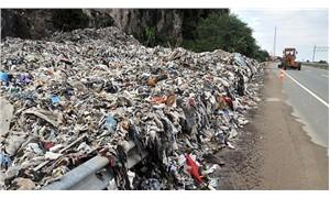 Karadeniz sahil yolunda çöp dağları oluştu