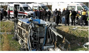 Ankara-İstanbul yolunda minibüs devrildi: 15 yaralı