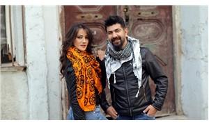 Lazca, Türkçe ve Kürtçe bir arada: Siyah Beyaz Ezgiler