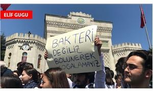 İstanbul Üniversitesi öğrencileri ve akademisyenleri bölünmeye karşı ayakta
