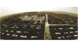 Ölenler toplu mezara kalanlar prefabrike gömüldü