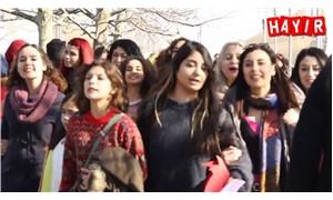 İzmir Nar Kadın Dayanışmasından şarkılı türkülü 'HAYIR' çalışması