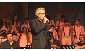 Livaneli korosu ilk konserini verdi