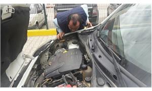 Aracın motor kısmına giren kediyi itfaiye çıkardı
