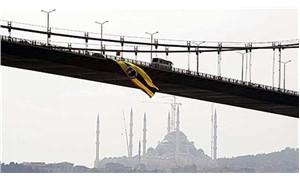 Köprüdeki Fenerbahçe bayrağını kesen 4 kişi yakalandı