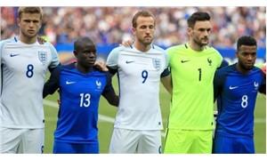 Futbol dayanışmaya ışık tuttu: Fransızlar İngiltere ulusal marşını okudu