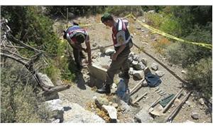 Antik kenti kazıp 2 bin 500 yıllık eserleri çaldılar