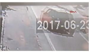 Ticari aracın 2 çocuğa çarpma anı kameralara yansıdı