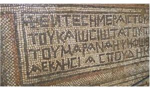 1500 yıllık mozaikte yazanı Yunan profesör okudu