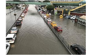 Istanbulites stranded as the city gets hit by a flood caused by heavy rainfall