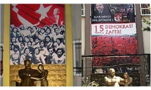 İlkokulda Atatürk ve Türk bayrağı 15 Temmuz afişi ile kapatıldı