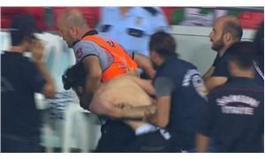 Süper Kupa finalinde sahaya bıçak atan kişi yakalandı