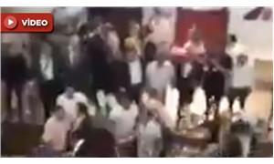 AKP Kongresinde Dombra eşliğinde kavga