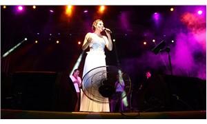 Küçükkuyu Kültür ve Sanat Festivali Funda Arar konseri ile son buldu
