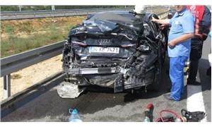 Yolcu otobüsü otomobile çarptı: 4 yaralı