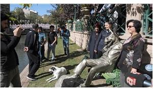 Porsuk çayı kenarına 'Çekirdek Çitleyen Eşek' heykeli
