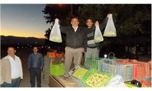 3 ton zeytini protesto için bedava dağıttılar