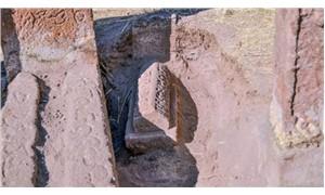 Ahlat Selçuklu Mezarlığında yeni mezarlar gün yüzüne çıkarıldı