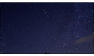 Dünyaya düşen meteor görüntülendi!