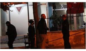 Kardeşlerinin kahvehanesine av tüfeği ile saldırdılar