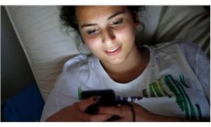 Sosyal medya insanı nasıl etkiliyor?