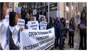"""İl Sağlık Müdürlüğü önünde """"115 hamile çocuk"""" protestosu"""