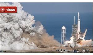 Dünyanın en güçlü roketi, uzaya fırlatıldı