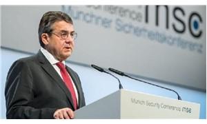 Almanya Dışişleri Bakanı Gabriel: Dünya tehlikeli bir uçurumda