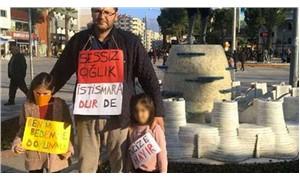 İki kızıyla birlikte taciz olaylarını protesto etti: Korkuyla büyütmek istemiyoruz