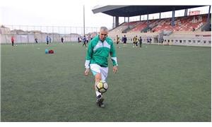 69 yaşındaki futbolcu yeni takımına transfer oldu
