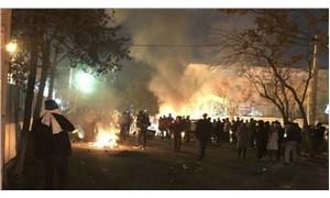 İran yine karıştı: 5 polis öldü