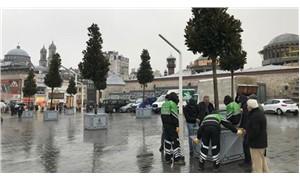 İstiklal Caddesi, beton saksılı manolya ağaçlarıyla 'yeşillendi'