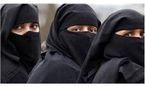 'Uygun' giyinmeleri yeterli sayılacak: Suudi Arabistan kara çarşafa veda ediyor