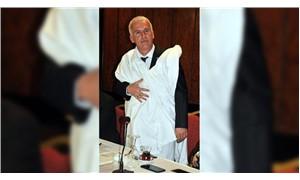 AKP İl Başkanlığı adayı, adaylığını kefen giyerek duyurdu