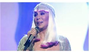 #FacebookuSil fırtınasına ünlü şarkıcı Cher de katıldı