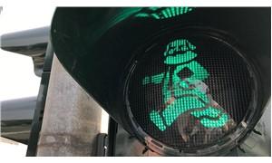 200. doğum günü hediyesi: Doğduğu kentte trafik ışıkları Karl Marx oldu