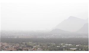 Antalya toz altında kayboldu