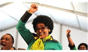 Winnie Mandela hayatını kaybetti