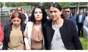 Öğretmen Ayşe Çelik, 8 aylık bebeğiyle cezaevine girdi