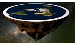 Google dünyanın düz olduğuna inananları böyle trollüyor