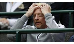 İflas eden efsane tenisçi Boris Becker kupalarını satışa çıkardı