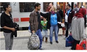 Macaristan, göçmenlere yardım edenlerin hapis cezası almasını öngören yasayı onayladı